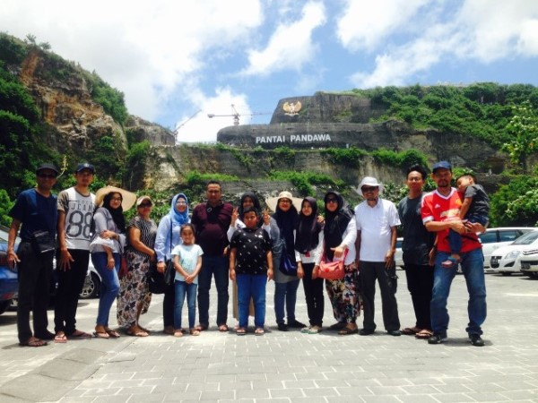 3 Days Tour with Mr. Edwin and His Big Family's